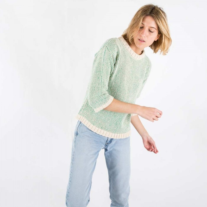 jumper-woman-no1-emerald-model-1-700x700